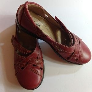 Clarks Mary Jane Shoes Size 6M -  Red